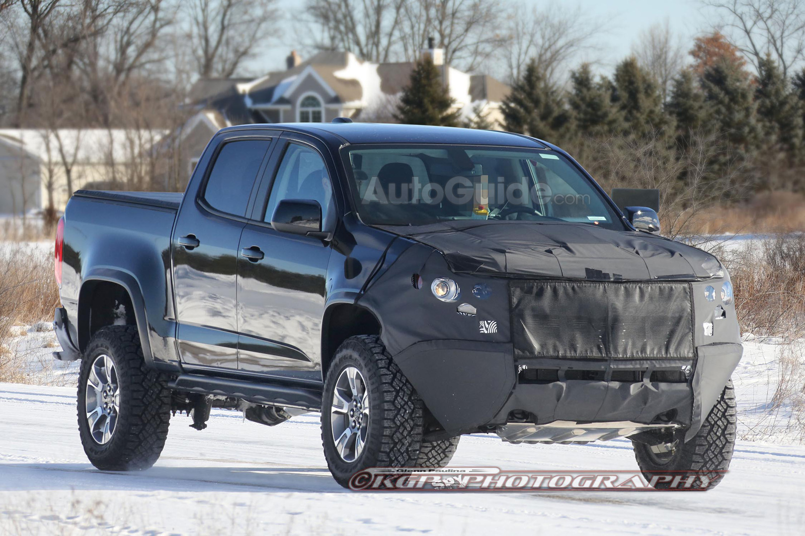 Chevrolet colorado zr2 prototype spy photos 01