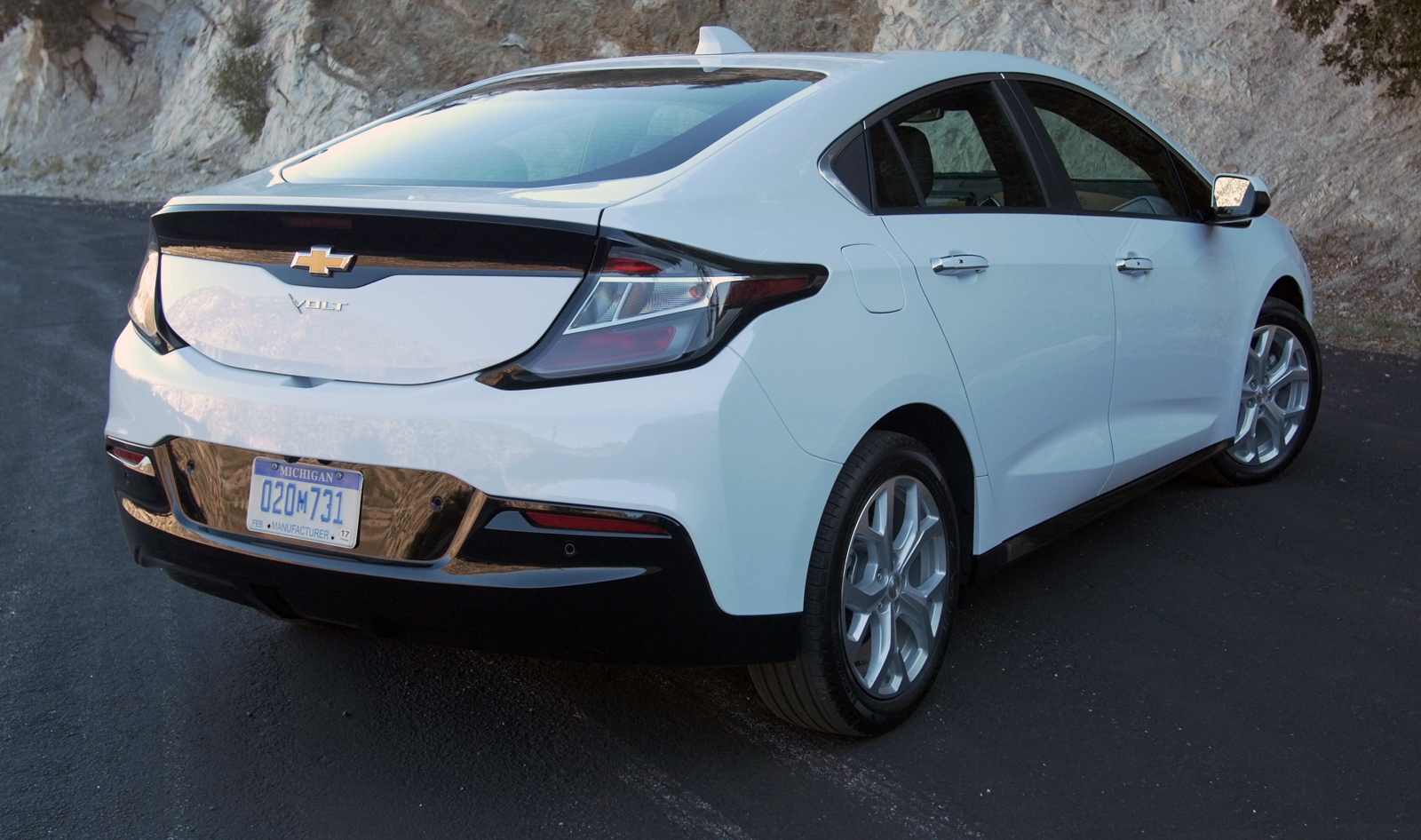 Chevrolet Volt 2016 AutoGuidecom Car of the Year Nominee