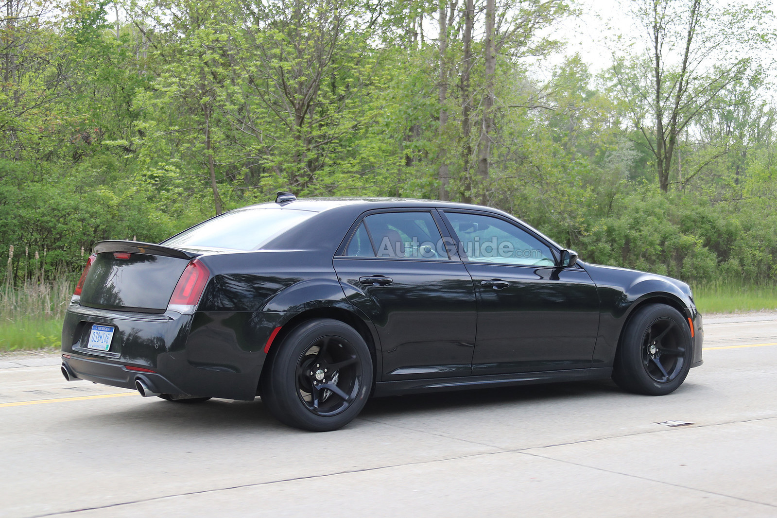 Report A Chrysler 300 Hellcat Is Happening Autoguide Com News