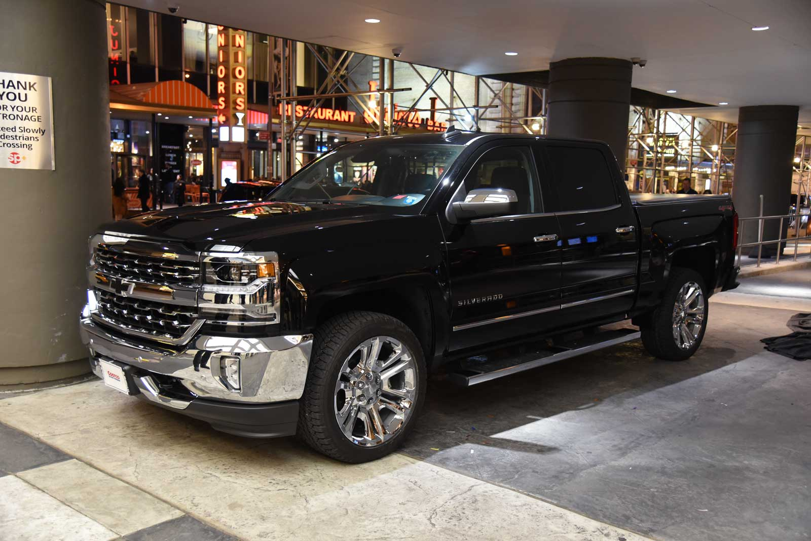 Costco Chevrolet Silverado Live Photo 01