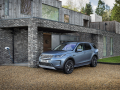Land-Rover-Evoque-and-Discovery-sport-PHEV-21
