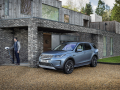 Land-Rover-Evoque-and-Discovery-sport-PHEV-23