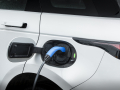Land-Rover-Evoque-and-Discovery-sport-PHEV-7