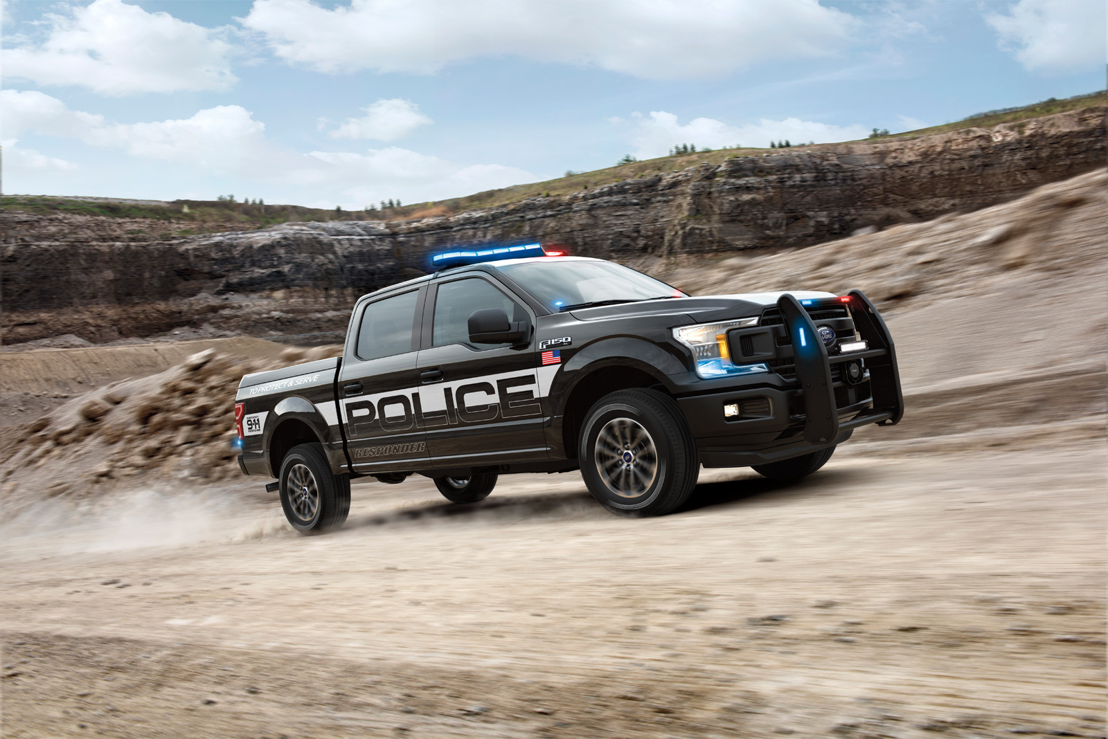 Ford Debuts 375-HP Pursuit-Rated F-150 Police Responder