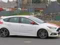 Ford-Focus-ST-Spy-Photo-6