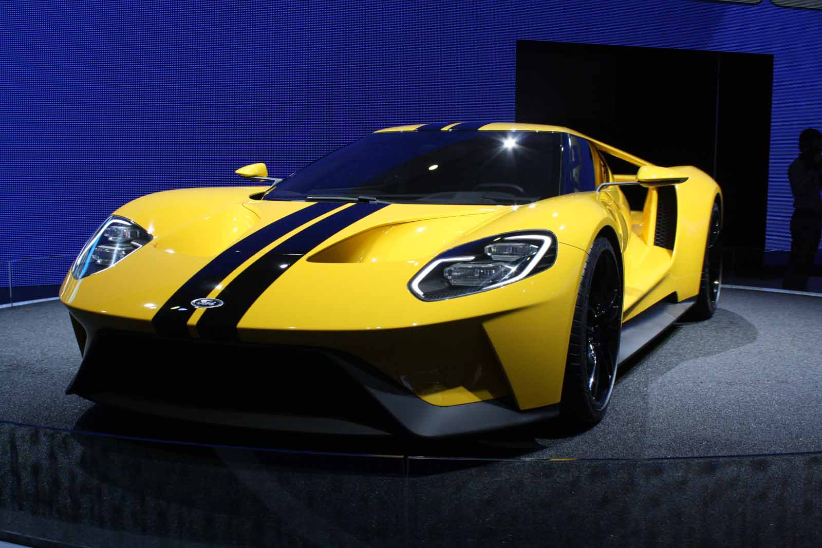 Build Your Ford GT Supercar Online Now, Buyers to be Hand Picked ...