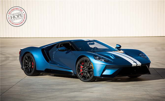 Ford Ford Auction >> Ford Gt Pulls In An Incredible 2 5m At Arizona Auction