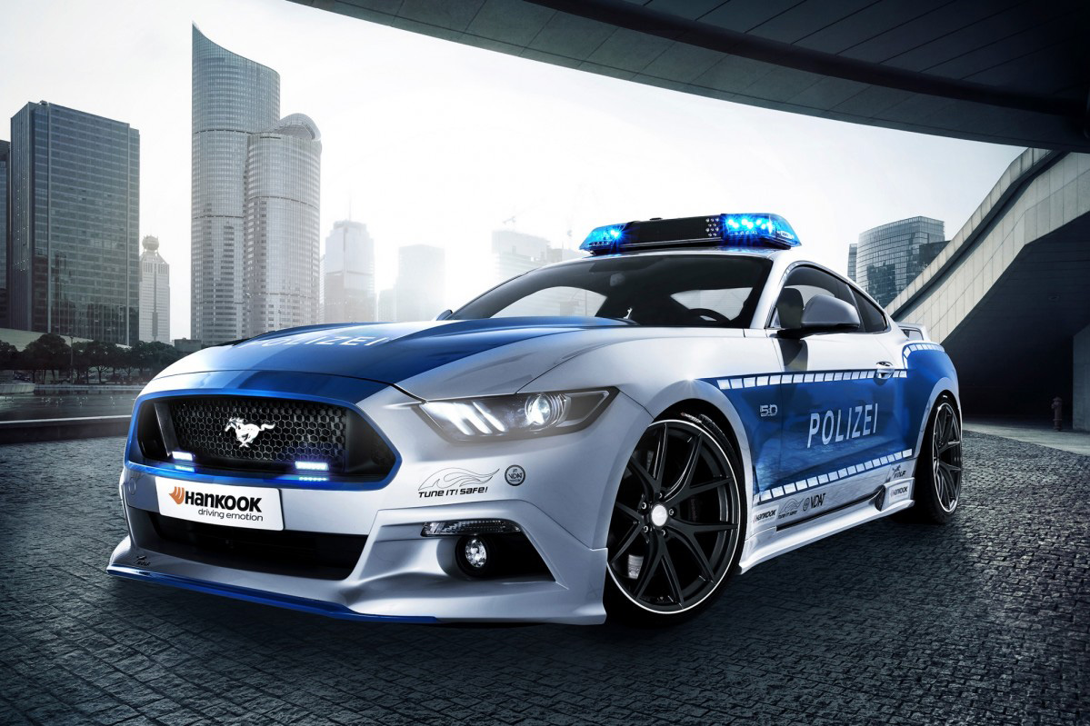 ford mustang looks just right wearing a police uniform. Black Bedroom Furniture Sets. Home Design Ideas