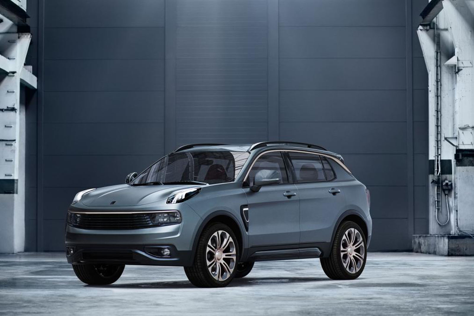 New Chinese Automaker Debuts Hybrid SUV That Could Be Headed to US ...