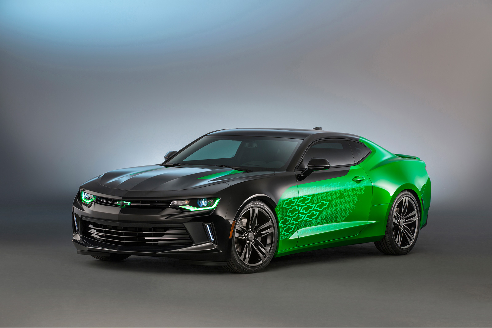 All Chevy chevy concepts : Chevrolet Goes All Out with Gen Six Camaro Concepts for SEMA