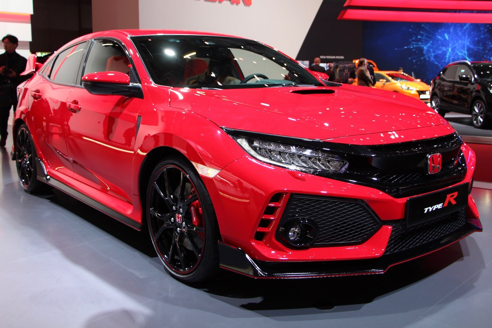 production honda civic type r finally debuts with 306 hp news. Black Bedroom Furniture Sets. Home Design Ideas