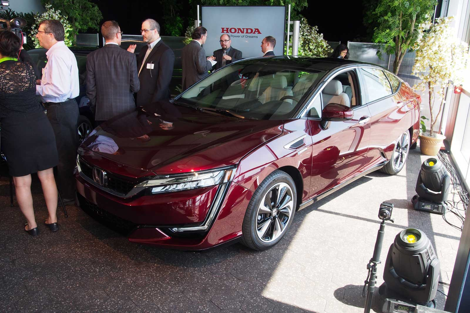 Honda Clarity Fuel Cell 01