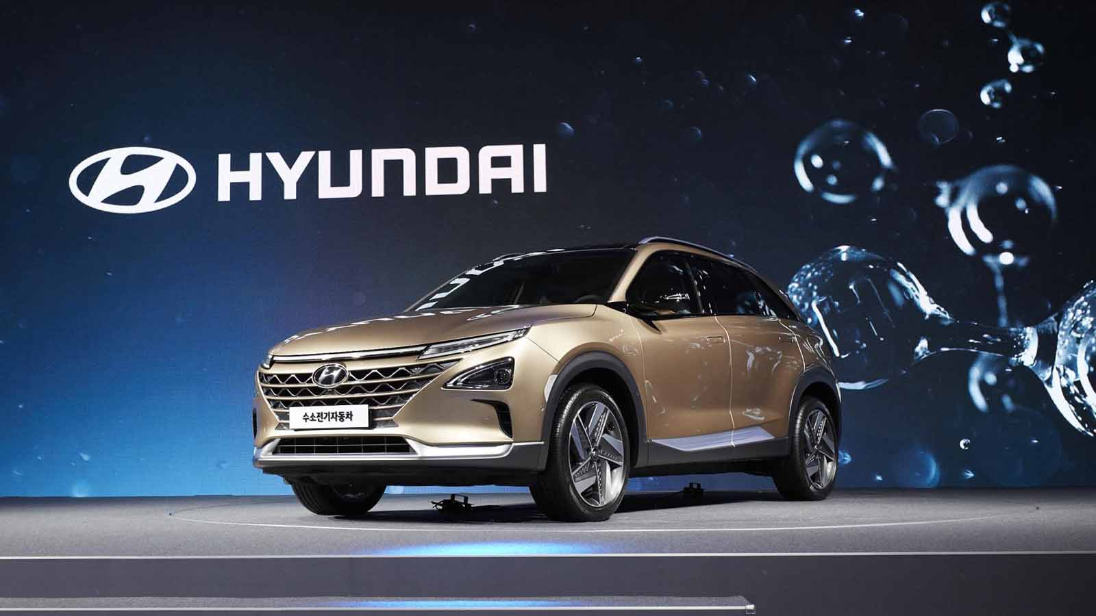 Hyundai Shows Off New Fuel Cell Suv In Pre Production Form