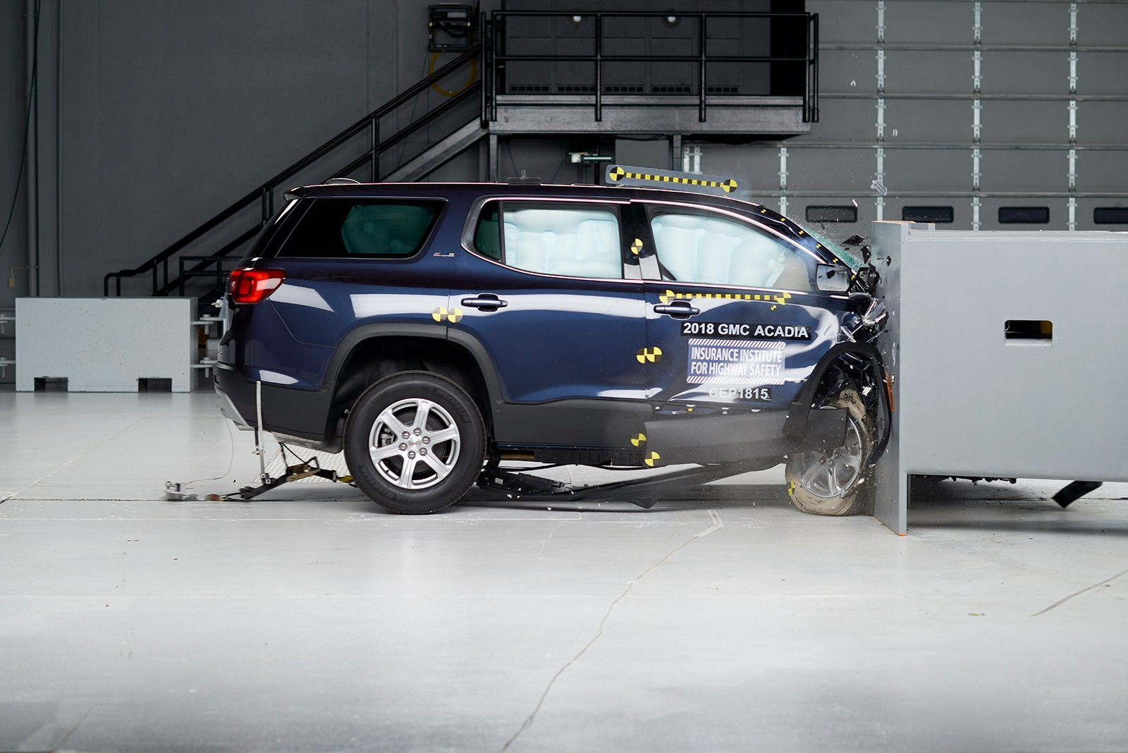 Popular Midsize SUVs Disappoint in New IIHS Passenger-Side Crash Test » AutoGuide.com News
