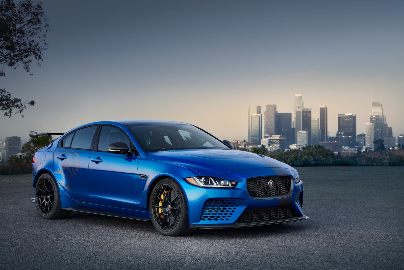 jaguar to show its 592 hp xe sv project 8 in the us this. Black Bedroom Furniture Sets. Home Design Ideas