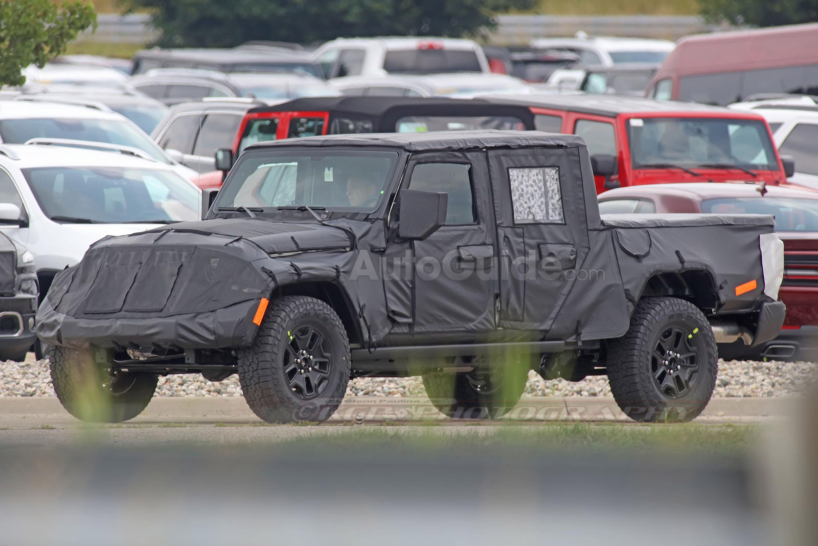 spy photos reveal more about jeep wrangler pickup news. Black Bedroom Furniture Sets. Home Design Ideas