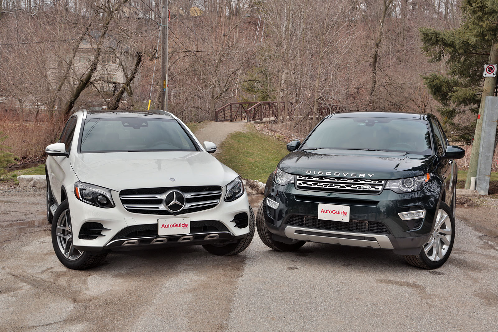 Land rover discovery sport vs mercedes benz glc 300 for Mercedes benz range rover price