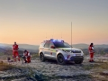 land-rover-discovery-red-cross-01