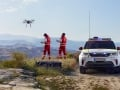 land-rover-discovery-red-cross-02