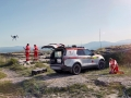 land-rover-discovery-red-cross-05