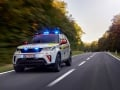 land-rover-discovery-red-cross-16