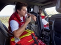 land-rover-discovery-red-cross-22