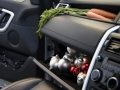 land-rover-discovery-sport-christmas-cabin-24