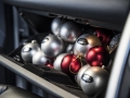 land-rover-discovery-sport-christmas-cabin-25