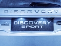 land-rover-discovery-sport-christmas-cabin-40