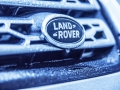 land-rover-discovery-sport-christmas-cabin-42