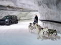 land-rover-discovery-sport-snow-tunnel-challenge-01