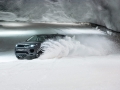 land-rover-discovery-sport-snow-tunnel-challenge-04
