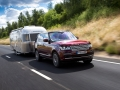 land-rover-see-through-trailer-01