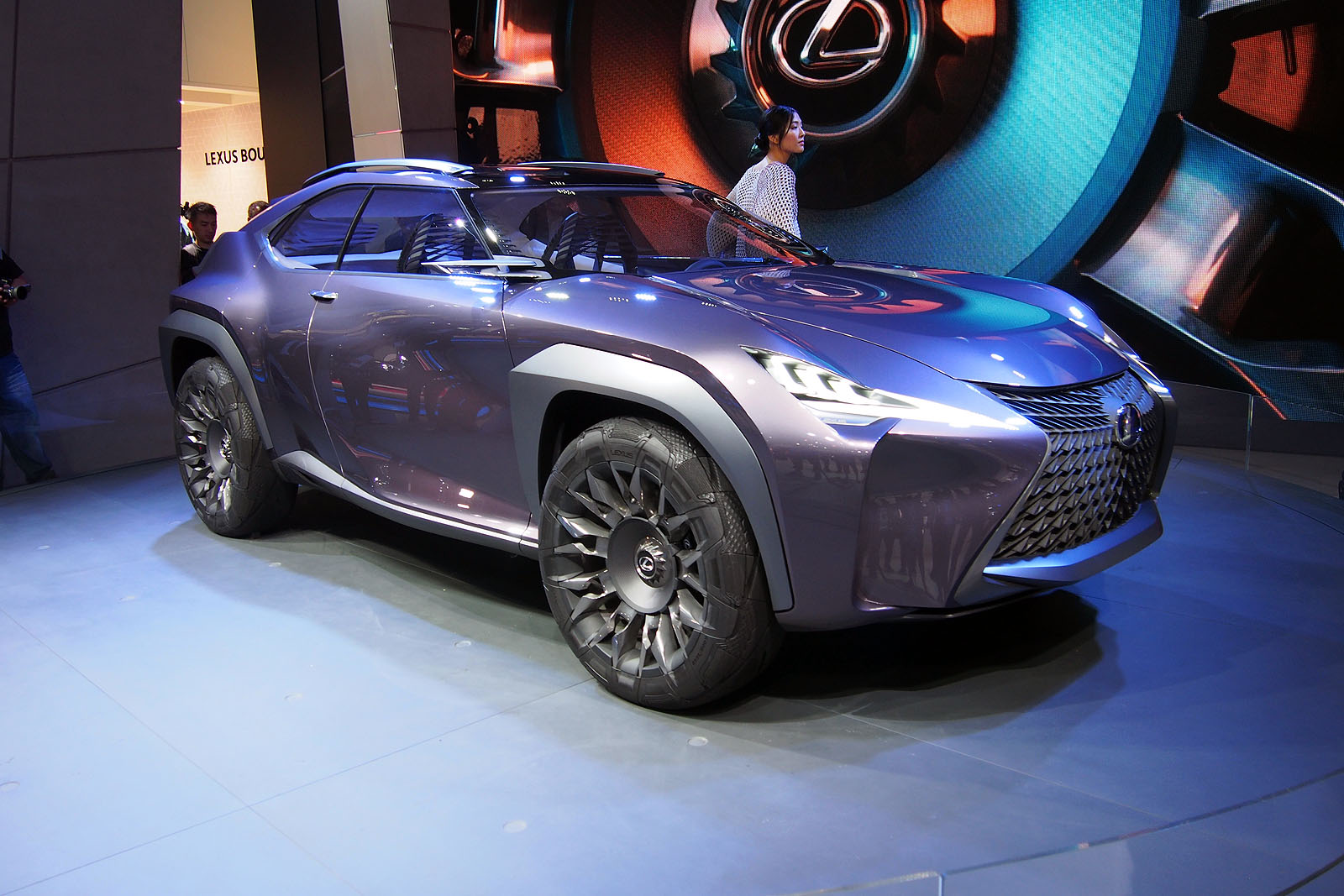 lexus ux concept previews flashy compact crossover news. Black Bedroom Furniture Sets. Home Design Ideas