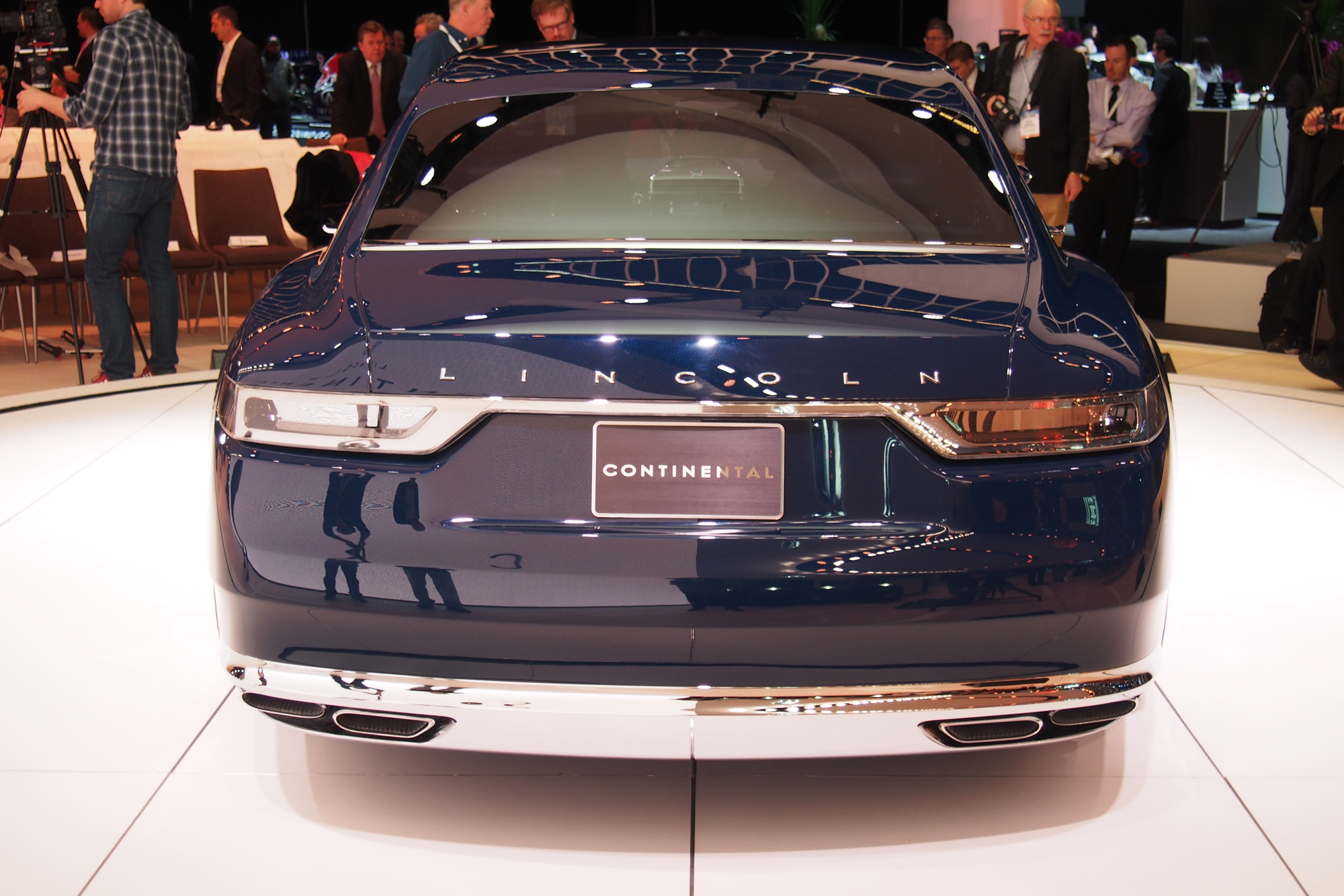 Lincoln Continental Concept Video First Look Autoguide Com News
