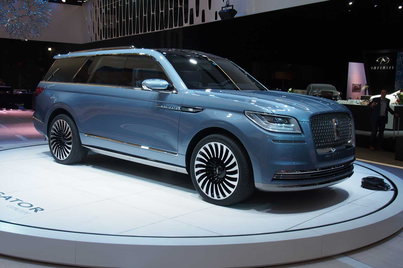 Lincoln Navigator Concept An Outrageous Suv With Supercar