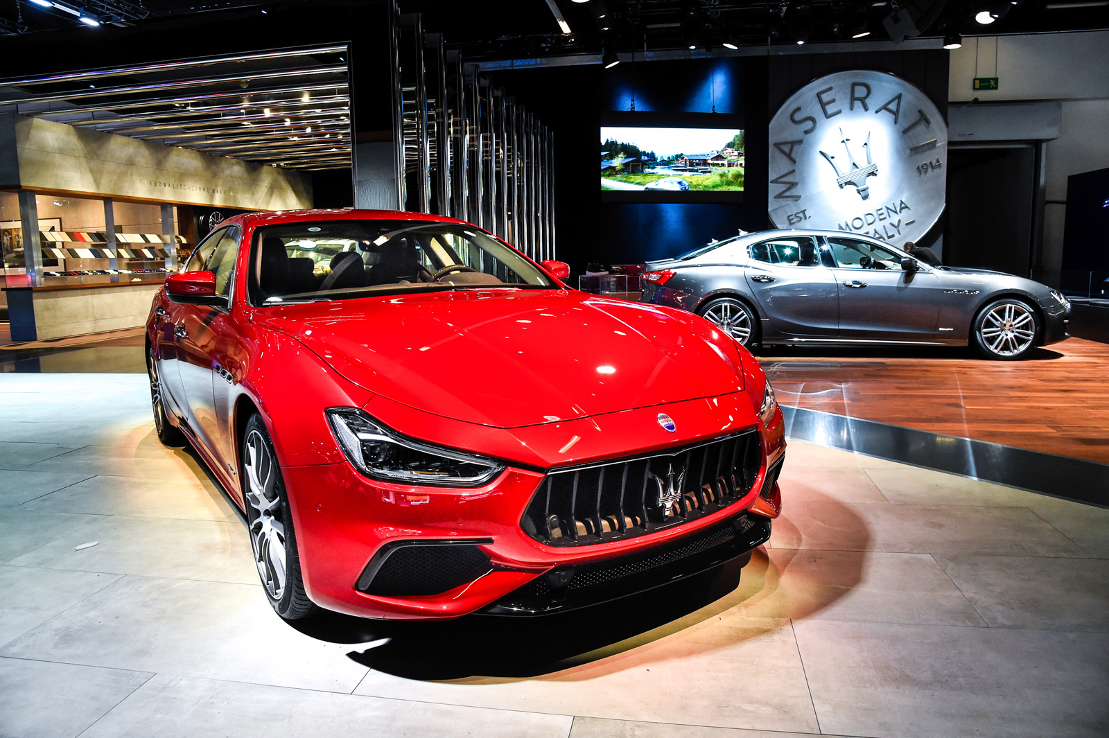 2018 maserati ghibli lands with updated looks more power news. Black Bedroom Furniture Sets. Home Design Ideas