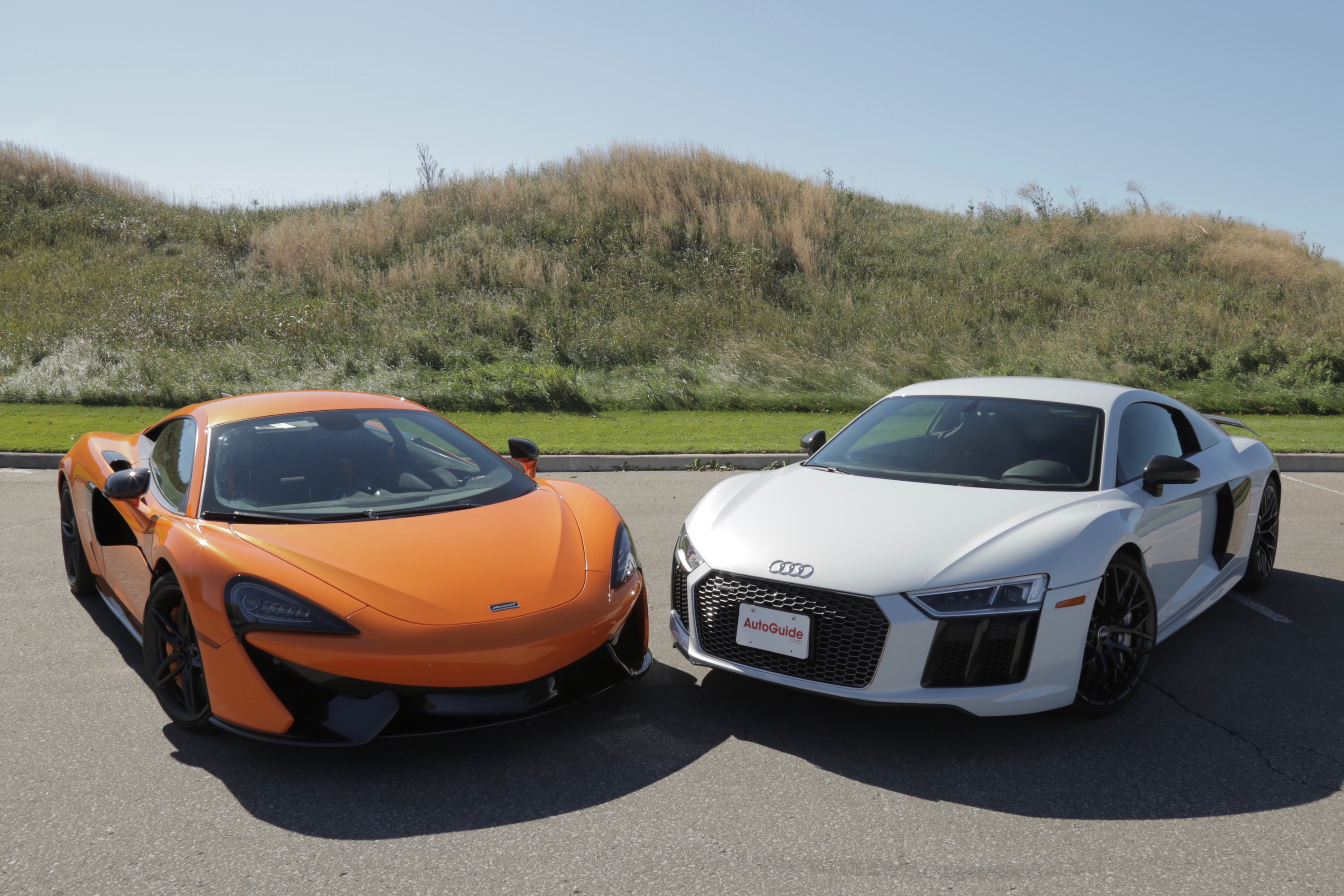 2017 audi r8 v10 plus vs mclaren 570s news. Black Bedroom Furniture Sets. Home Design Ideas