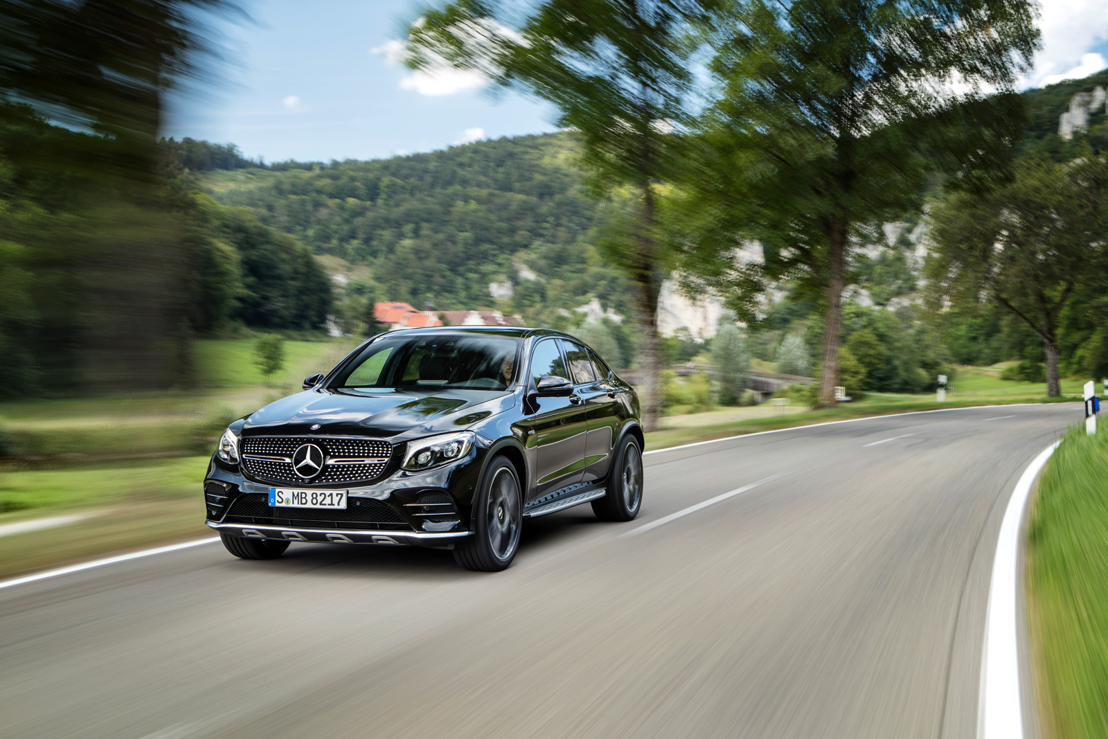 http://www.autoguide.com/blog/wp-content/gallery/mercedes-amg-glc43-coupe-official-gallery/mercedes-amg-glc-43-coupe-08.jpg