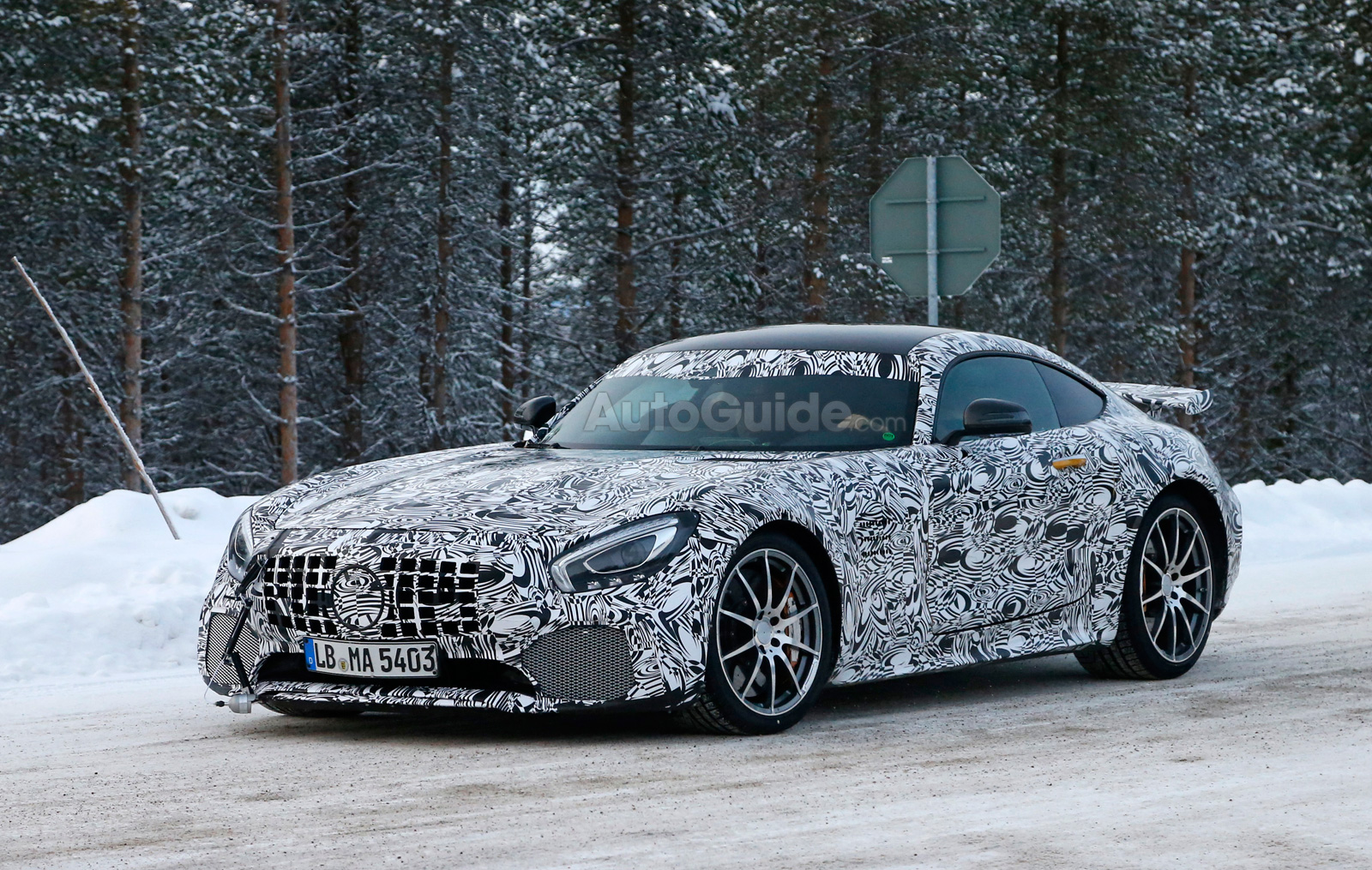 mercedes amg gt r spied looking frosty. Black Bedroom Furniture Sets. Home Design Ideas