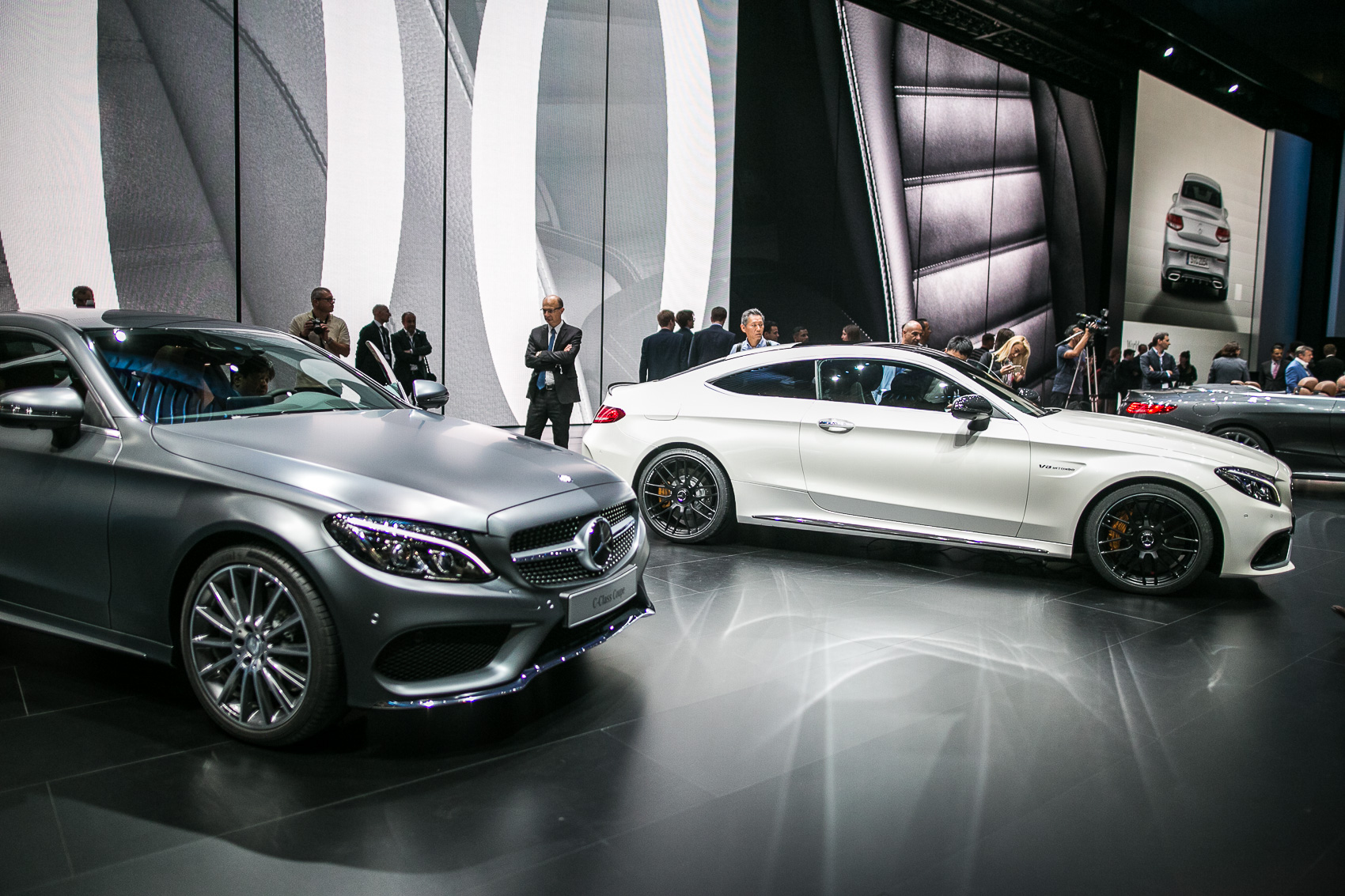 https://www.autoguide.com/blog/wp-content/gallery/mercedes-benz-c-class-coupe-september-16-2015/Mercedes-Benz-C-Class-Coupe-01.jpg