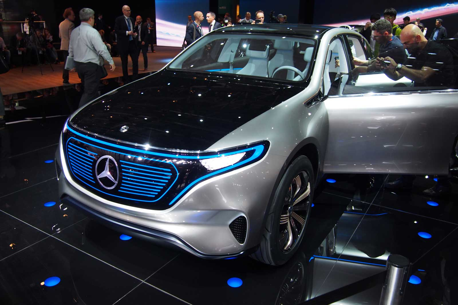 Mercedes benz generation eq is an all electric suv concept for New electric mercedes benz