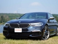 Mercedes-Benz E43 vs BMW M550i-51