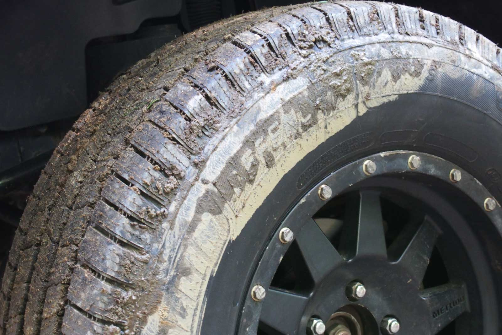 Michelin Defender Ltx Ms Reviews >> Michelin Defender Ltx M S Tire Review Autoguide Com News