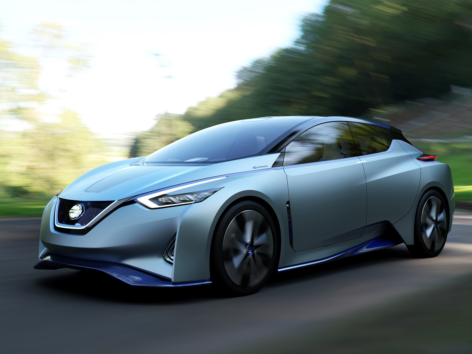 New Nissan Electric Vehicle to Debut Range Extender and Self ...