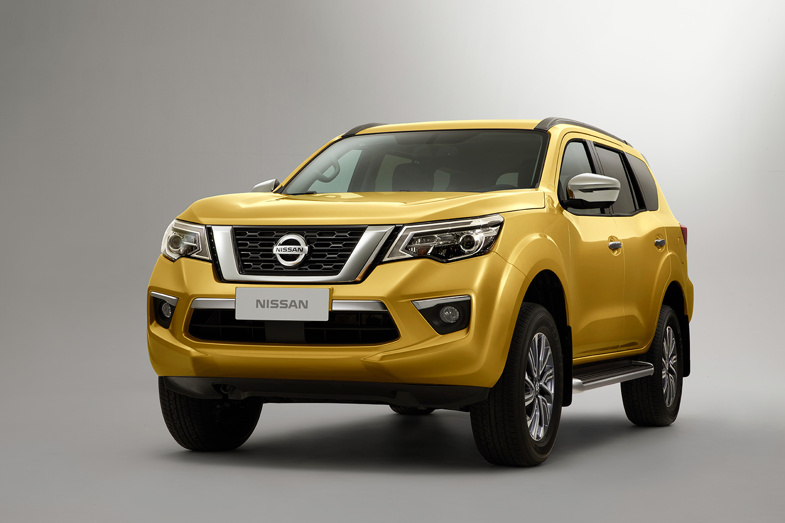 nissan introduces its new body on frame suv news. Black Bedroom Furniture Sets. Home Design Ideas