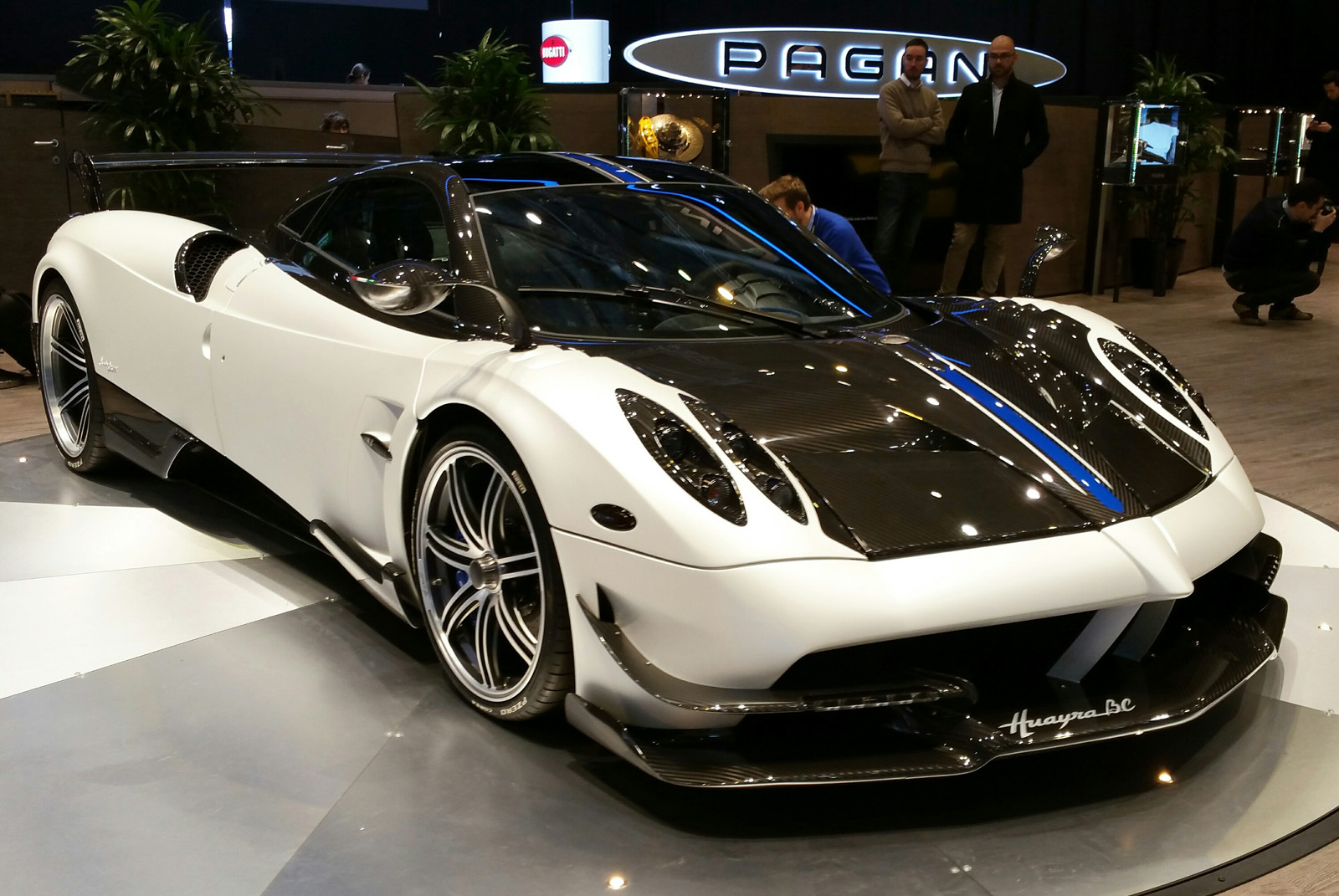 The Pagani Huayra Bc Is Here To Hunt Hypercars Autoguide Com News