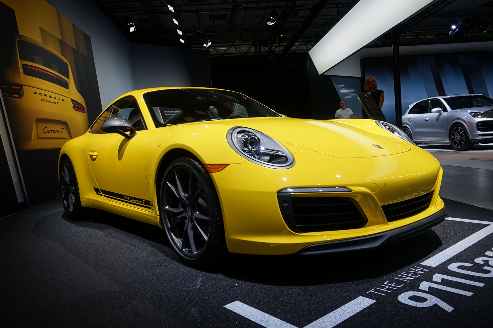 porsche reminds the world that sports cars still matter and always will news. Black Bedroom Furniture Sets. Home Design Ideas