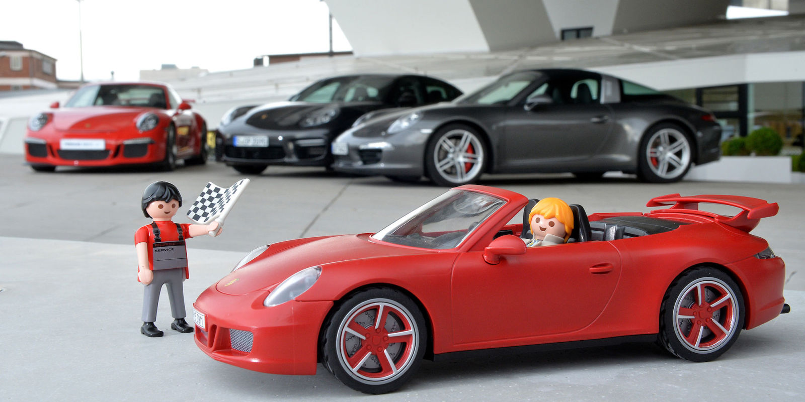 this porsche 911 carrera s toy offers amazing detail news