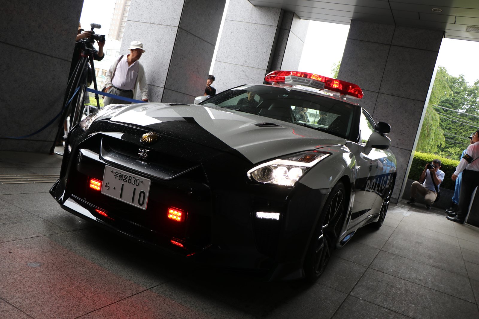 Japan Just Put an R35 Nissan GTR Police Car Into Service » AutoGuide ...
